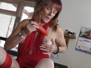 порно дрочка на кухне