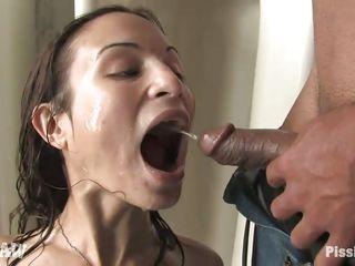 Поссала в рот порно
